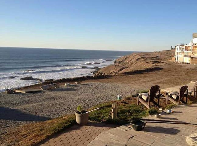 Beachy Oceanfront Heaven on a 145' Bluff - Rosarito Beach - Dom