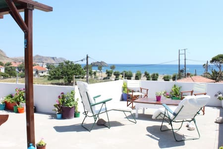Aumkara 2 Bed Apartment by the sea - Eresos - Leilighet