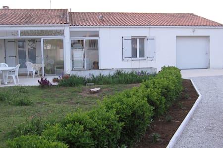 Maison idéalement située - Loix - Rumah