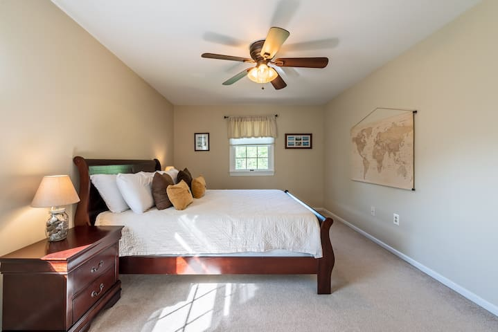 2nd bedroom with queen bed and super comfy memory foam mattress