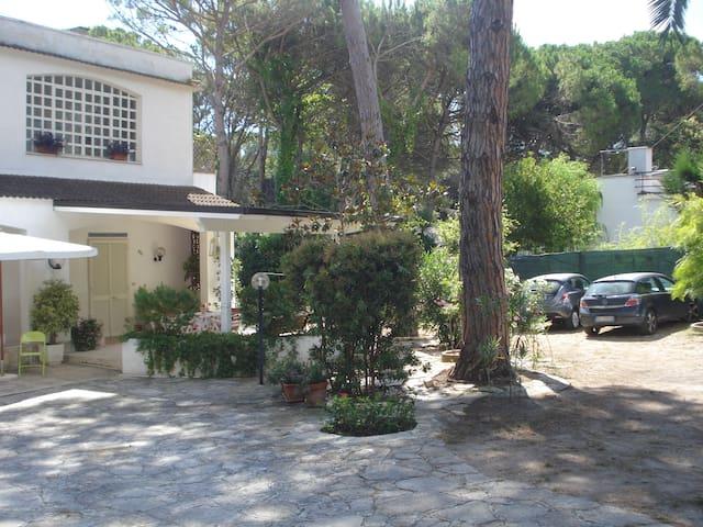 Villa a San Cataldo a pochi passi dal mare - Provincia di Lecce
