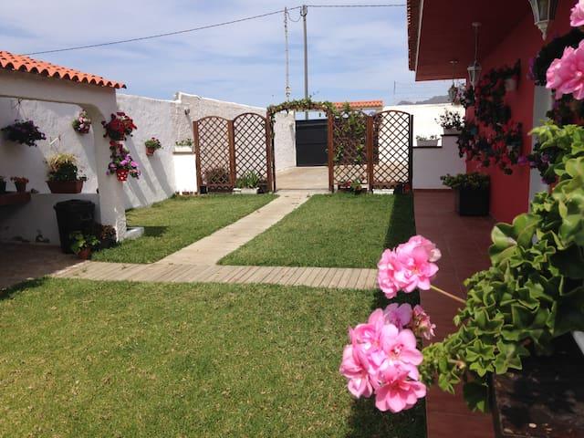 Casa en un ambiente rural a 900m del mar. - San Cristóbal de La Laguna - Dom