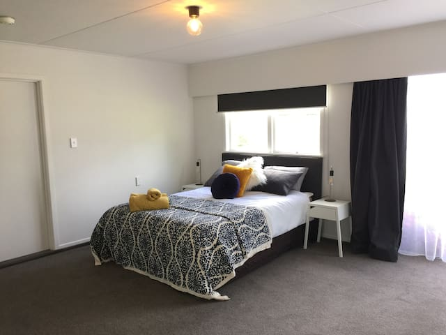 Spacious Self-Contained Studio in Napier