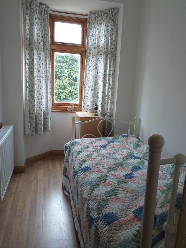 Cosy single room in a quiet location