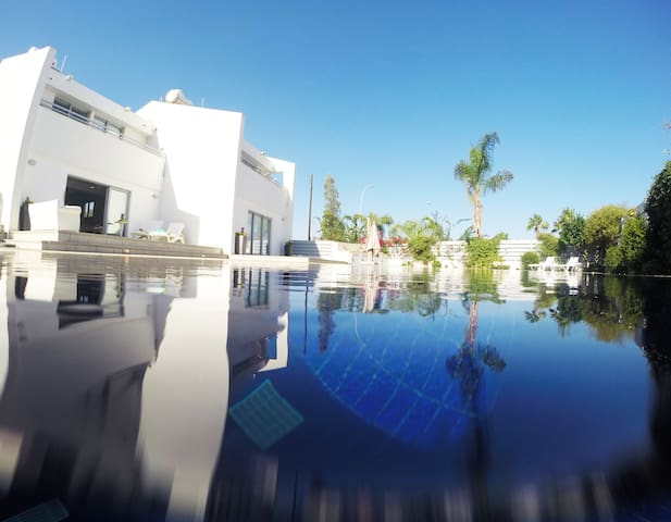Contemporary, Luxury Villa, 15m Pool - Protaras - Protaras - Maison