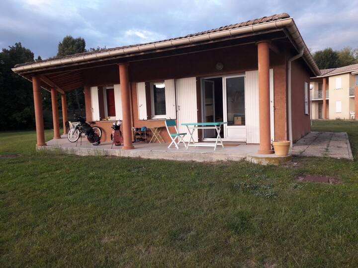 Digne-les-Bains : T3, cadre magnifique. Calme. Vue