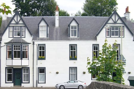 Kirkmichael Apartments - Strath Tay.