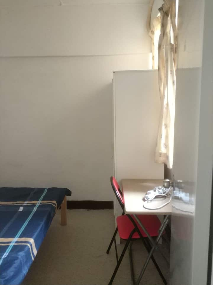 Prince Edward Room for 2 .....with lift  ( pe4d)