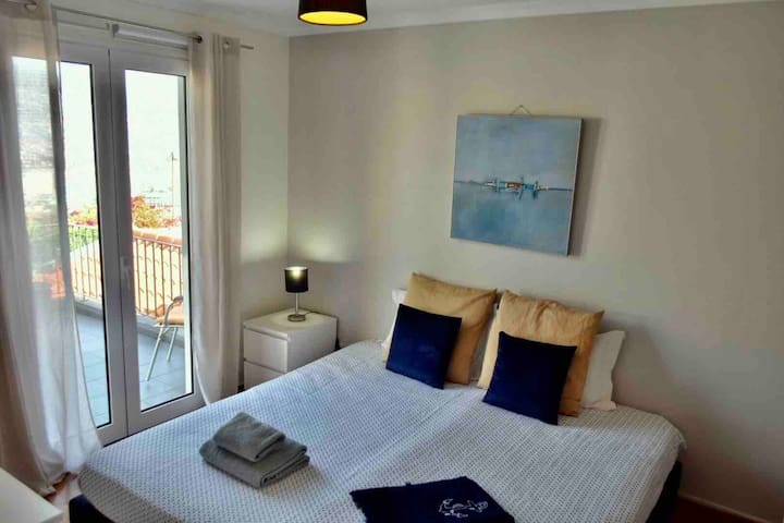Blue Marine Room, Stay with locals in Funchal