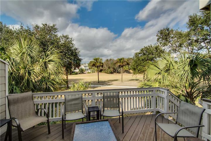 Stay Near The Beach And Enjoy Great Views Of The Wild Dunes Links Golf Course!