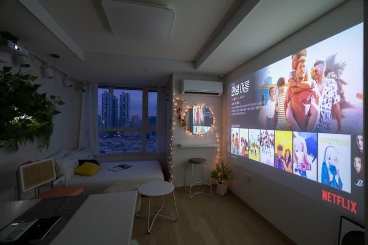 ❥❥서면역 3분&Netflix &영화관을 통채로 &Projector 200 inch❥❥