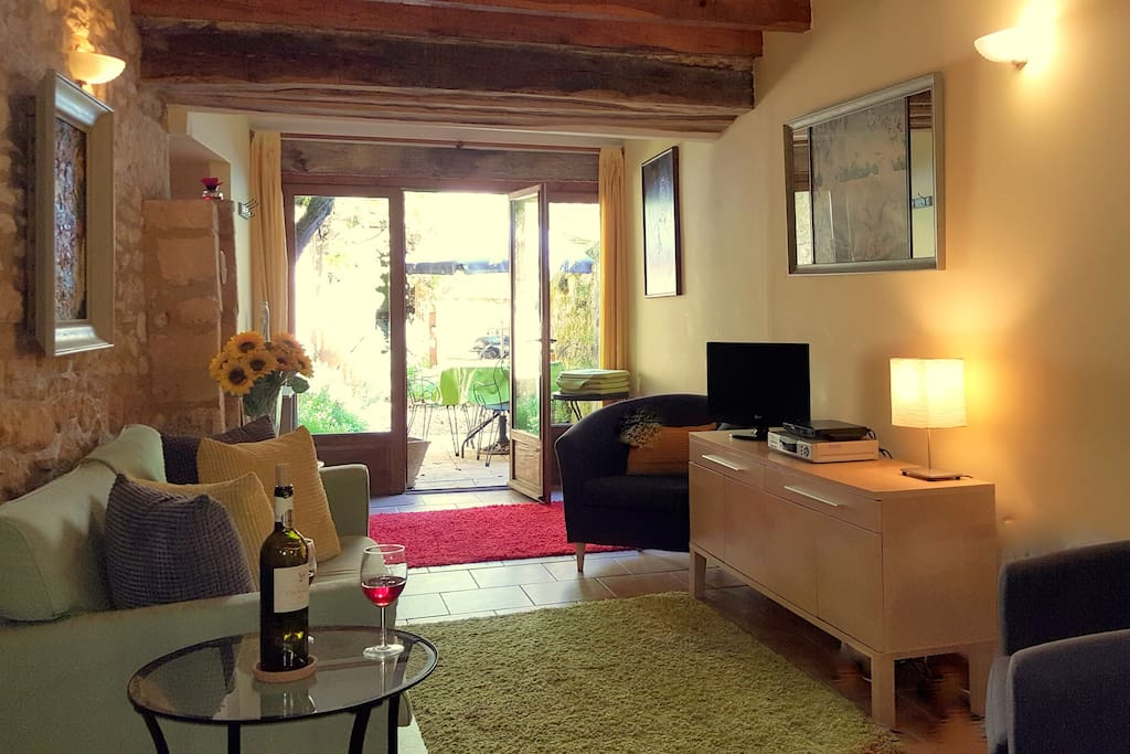 Le Tournesol at Le Banquet (sleeps 4 ) charming sitting room