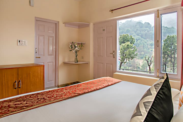 Pocket friendly Stay near Kasauli By HomestayDaDDy