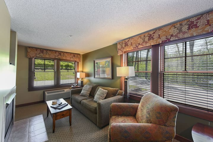 A126- 1 bedroom standard view suite, w/ private bedroom with a king bed!