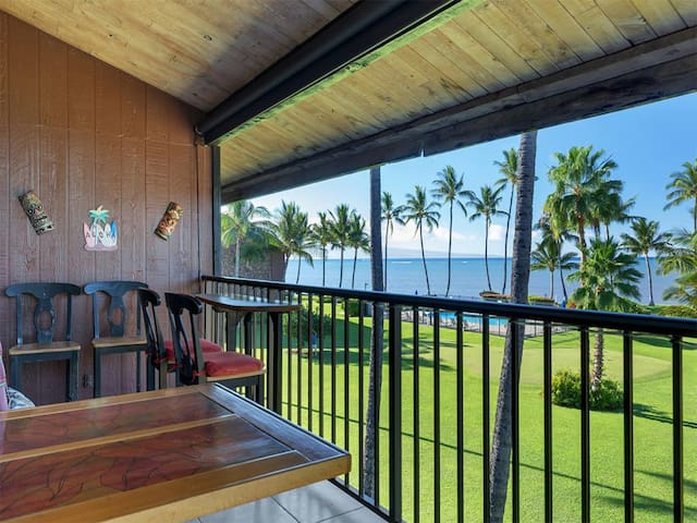 Spread Out In Style+Space! Loft, Lanai, Open Kitchen+Flat Screen–Molokai Shores 317