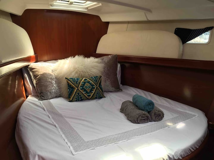 50ft Captains yacht suite