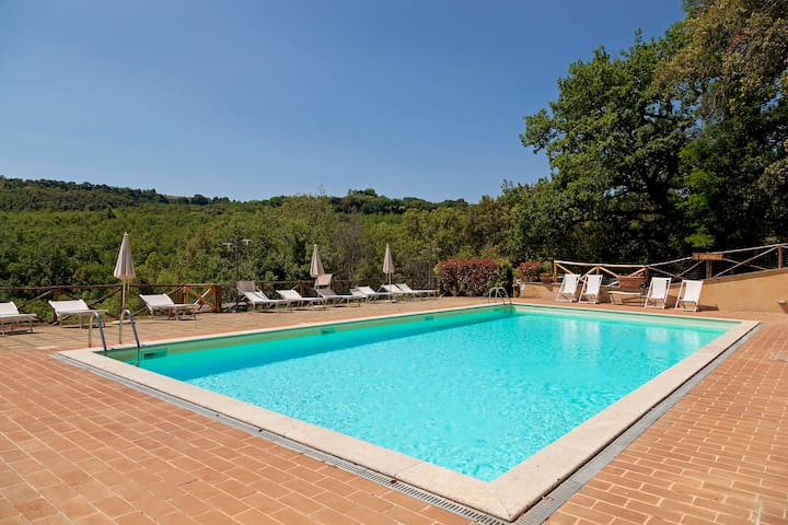 San Gimignano country house pool
