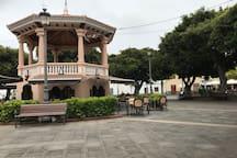 Bar Cafeteria Kiosko , Plaza de los Remedios , en el centro