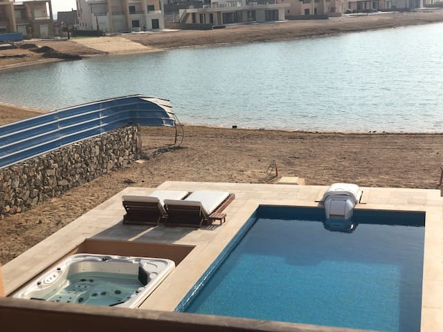 Luxury Seaview 4BR Villa - Private Pool & Jacuzzi