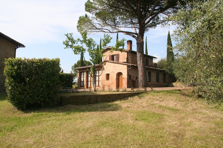 Colombina, lovely country house at 5km from Siena - Siena