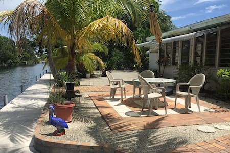 Spacious Waterfront Home with Live-In Hostess - Big Pine Key