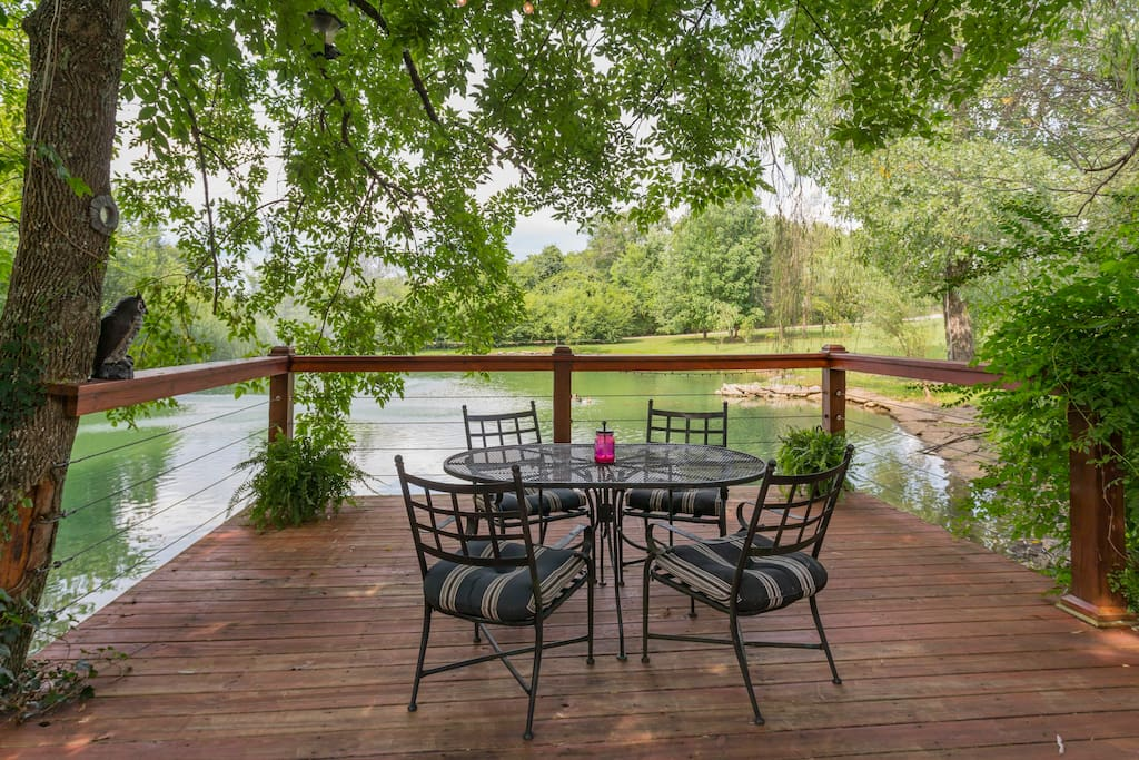 The perfect spot for your morning coffee!