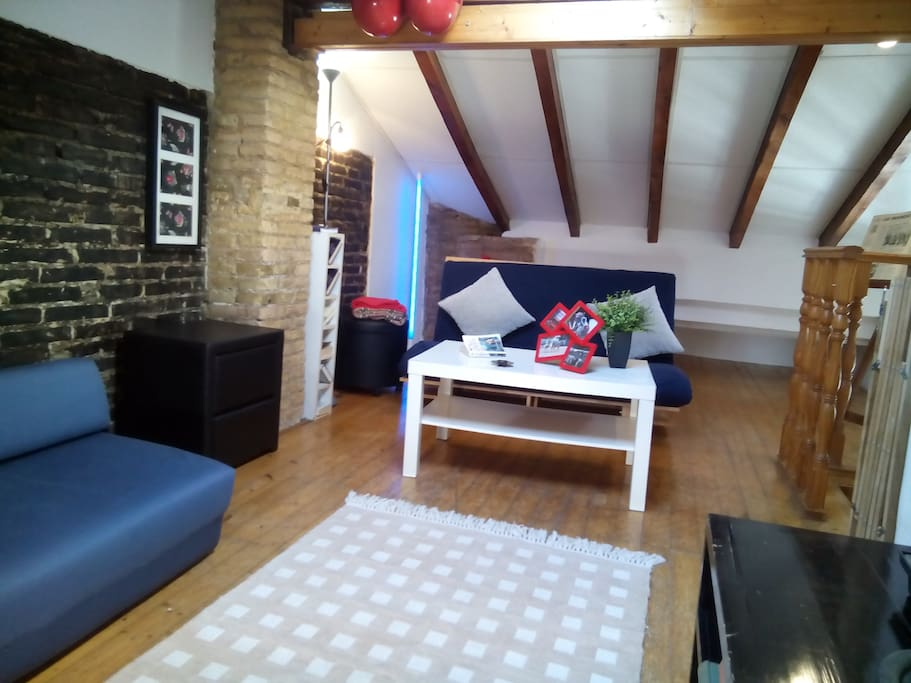 Altillo-salón, con 2 sofá-cama.