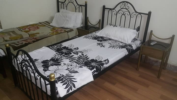 Economical, clean & Friendly in the center of Isl