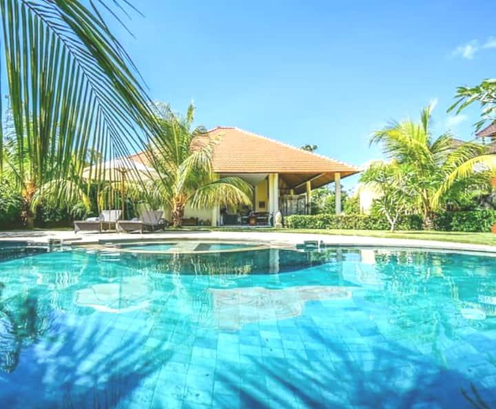 Luxury Private Villa w/Pool Garden near Amed Beach