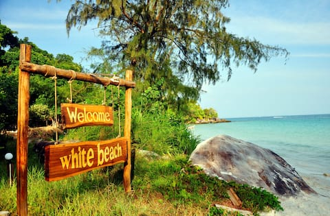 White Beach Bungalows in Koh Rong - AC Beachfront
