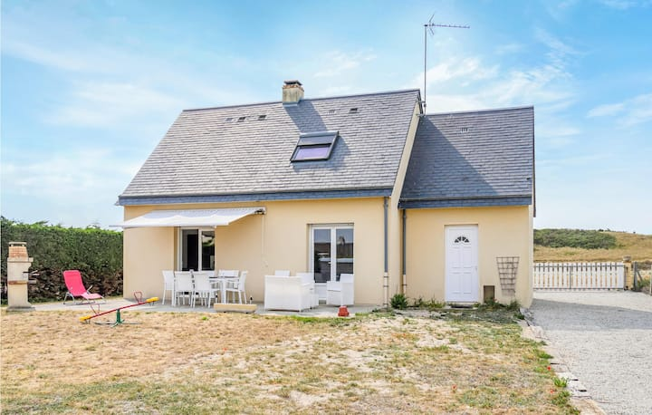 Beautiful home in Creances with WiFi and 4 Bedrooms