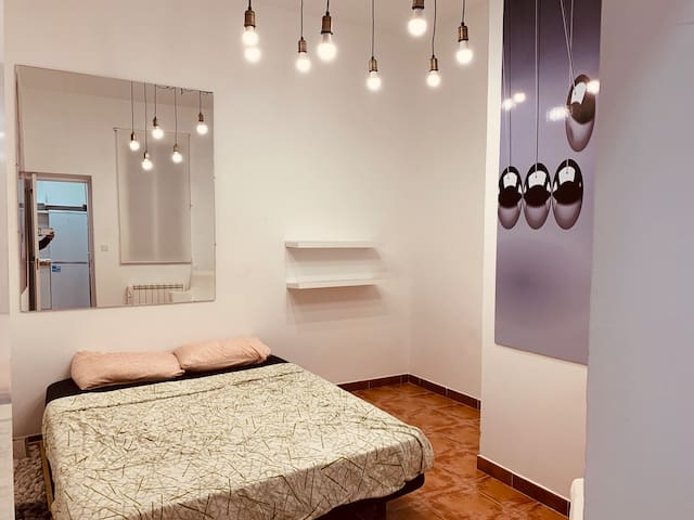 Madrid Vibes - Room in an artistic neighborhood