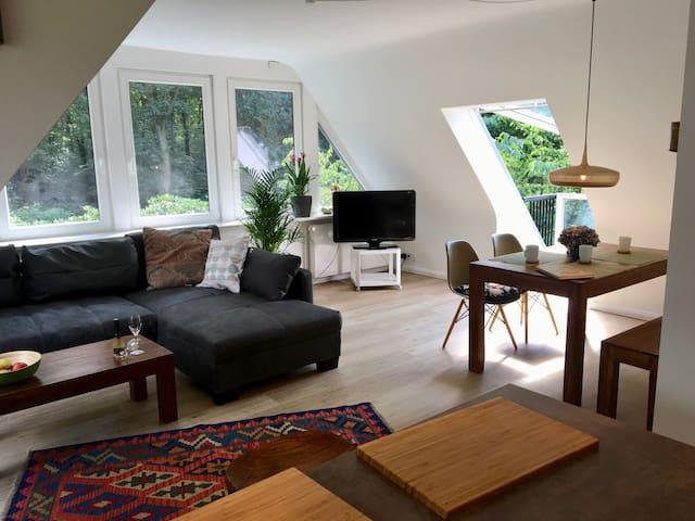 Luxuriöse Wohnung an der Elbe in Hamburgs Westen