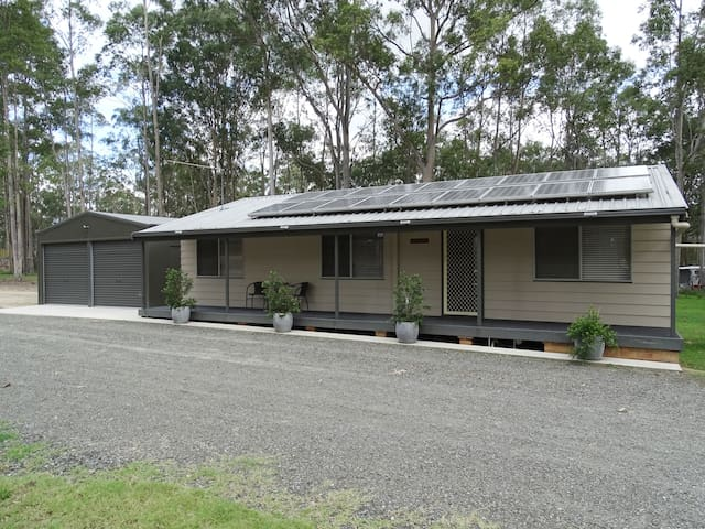 Bronte Lodge - Wine Country Stay, Cessnock.