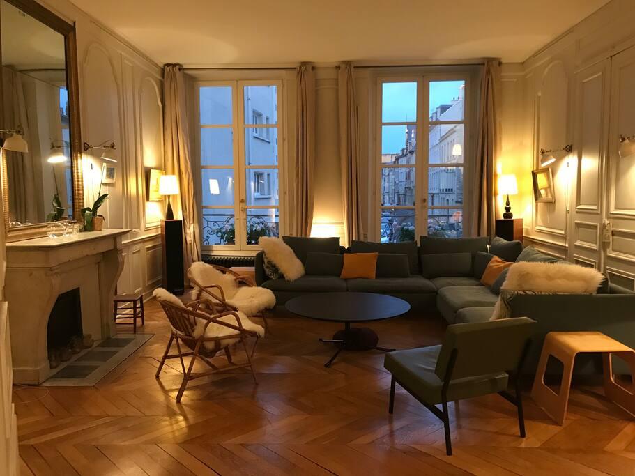 appartement dans hotel particulier appartements louer caen basse normandie france. Black Bedroom Furniture Sets. Home Design Ideas