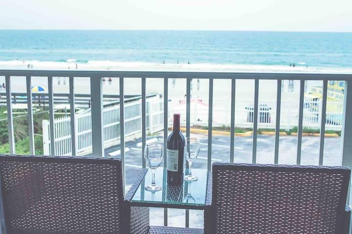 Romantic Ocean Front! Renovated condo on the beach