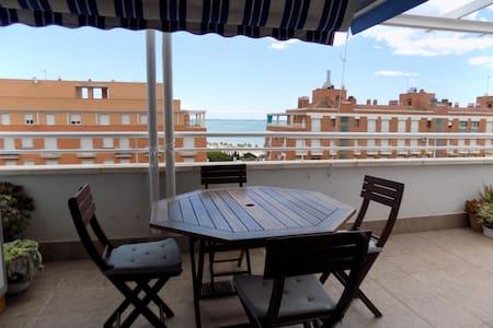 Atico, terrasse 35 m2 vue mer,  plage à 2 mn