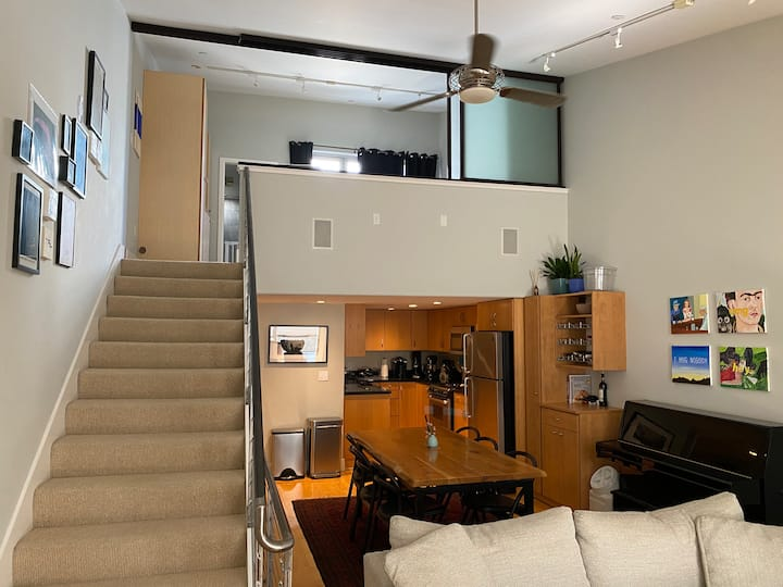 Entire loft: Bright and peaceful in SOMA