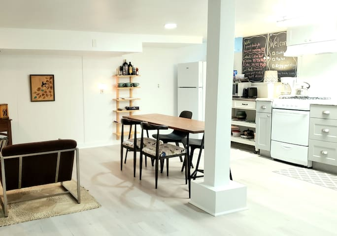 Studio w Full Kitchen in Baltimore's Beverly Hills