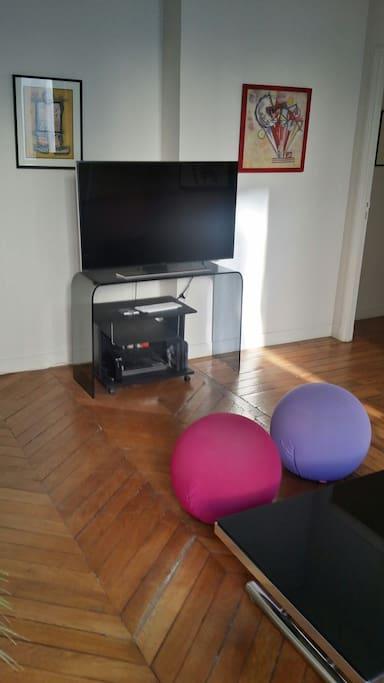 4K UHD Samsung Tv