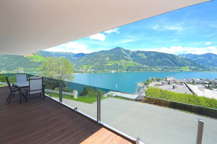 Apartment Super Zell - luxury apartment with breathtaking views over the Zeller lake and mountains