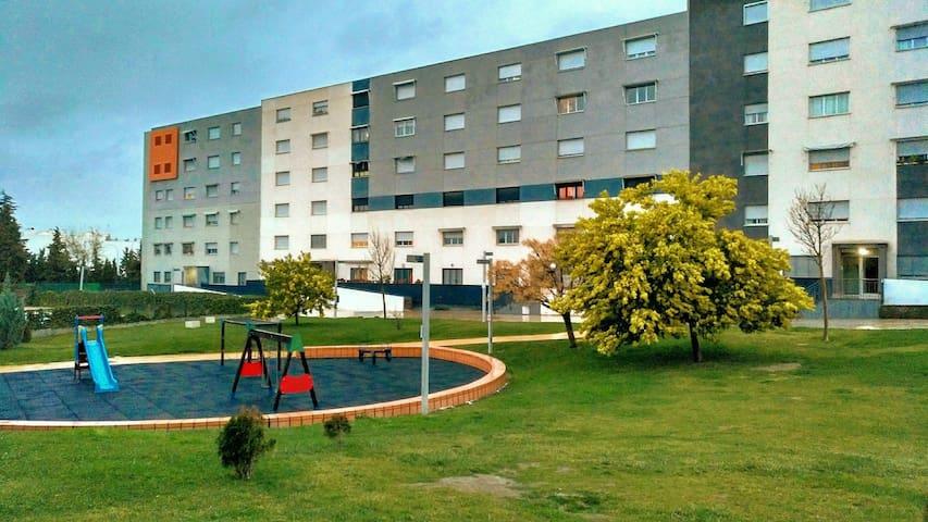 Habitación doble, equipada y bien ubicada