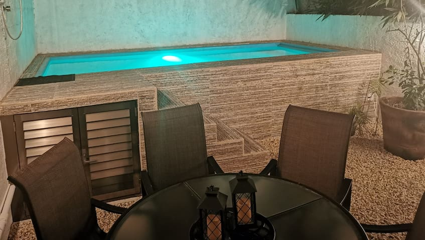 House with Pool and Jacuzzi in Playa del Carmen