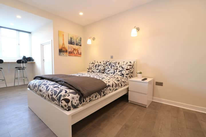 Brand New & Modern Apartment in Hounslow 21245