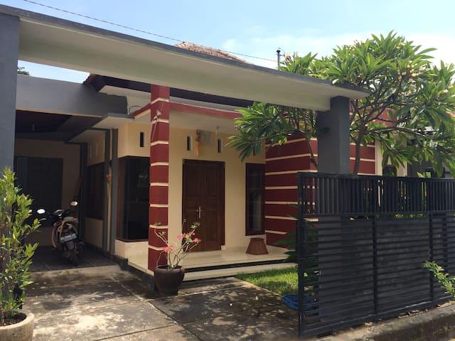 Private mini bungalow