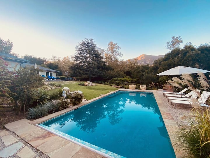 Shadowbrook - Pool, Privacy, With Main House & Guest House!