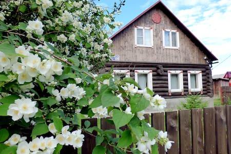 Guest house Obereg in historical village Kupanskoe
