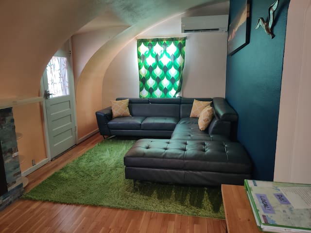 2 Bedroom Down Town Quonset hut