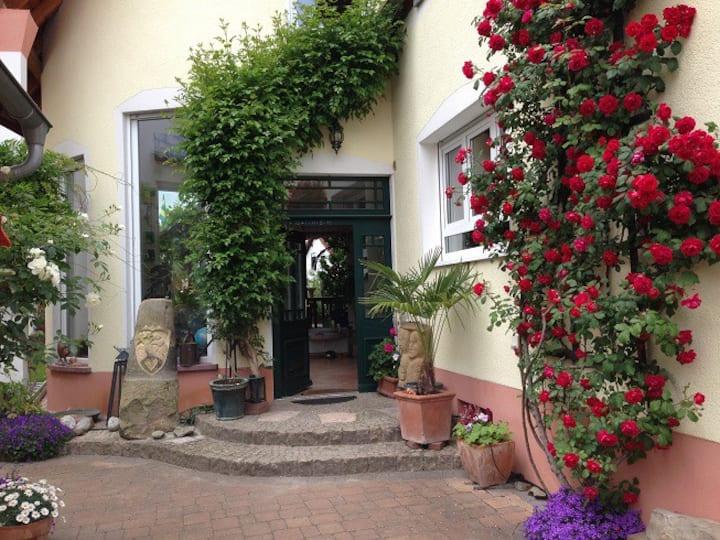 Glücks-Appartement zwischen Speyer und Weinstraße