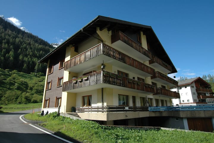 Apartment in Blatten with Mountain Views & Open Kitchen